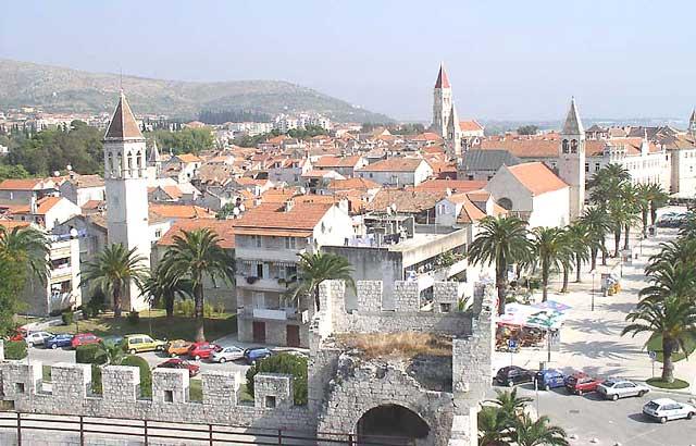 http://www.oldcity.ru/pictures/croatia/dostp_big/trogir/panorama_trogir.jpg