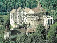 Чехия. Замок Пернштейн
