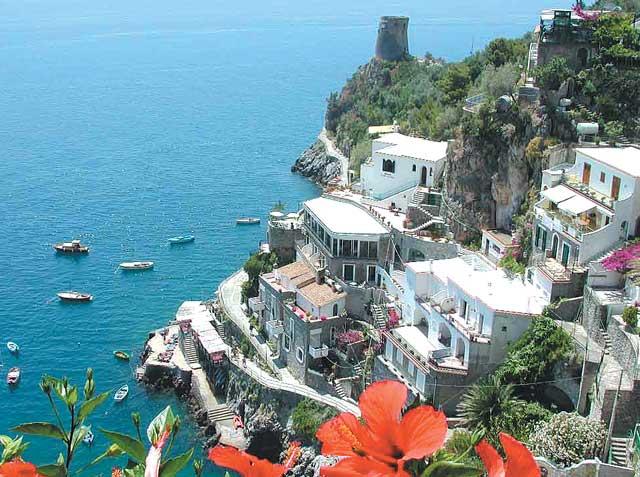 Амальфитанское побережье Италии представляет собой абсолютно особенное.