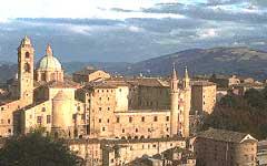 Италия. Панорама Урбино